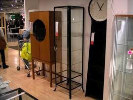 IKEA,棚,キャビネット,ガラス扉,KLINGSBO